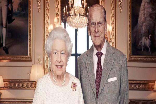 图中为伊丽莎白二世女王夫妇的合影(Matt Holyoak/CameraPress/PA Wire)。