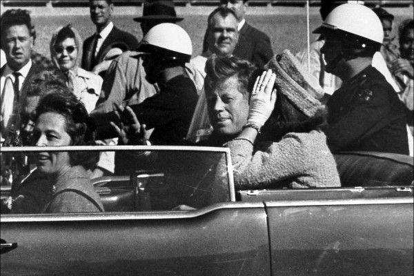 美国前总统肯尼迪遇刺前档案照。(AP Photo/Jim Altgens, File)