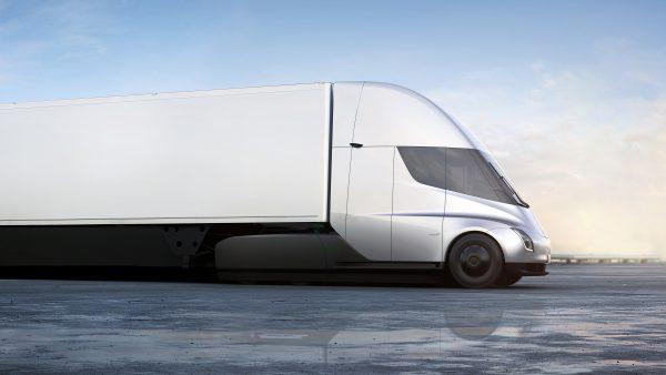 11月16日新面世的特斯拉重型电动卡车,外观。(Tesla via AP)