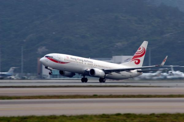中共单方面增加4条民航航线,图中为使用这些航线的香港航班(网络图片)。