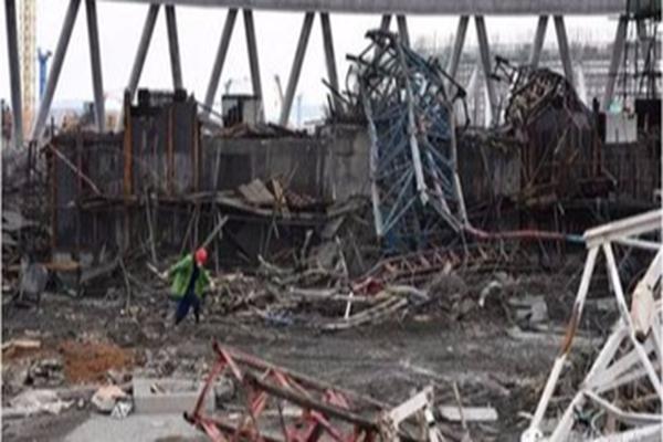 2016年11月24日,江西省丰城市丰城电厂三期在建冷却塔施工平台倒塌,导致了73人死亡 网络图片