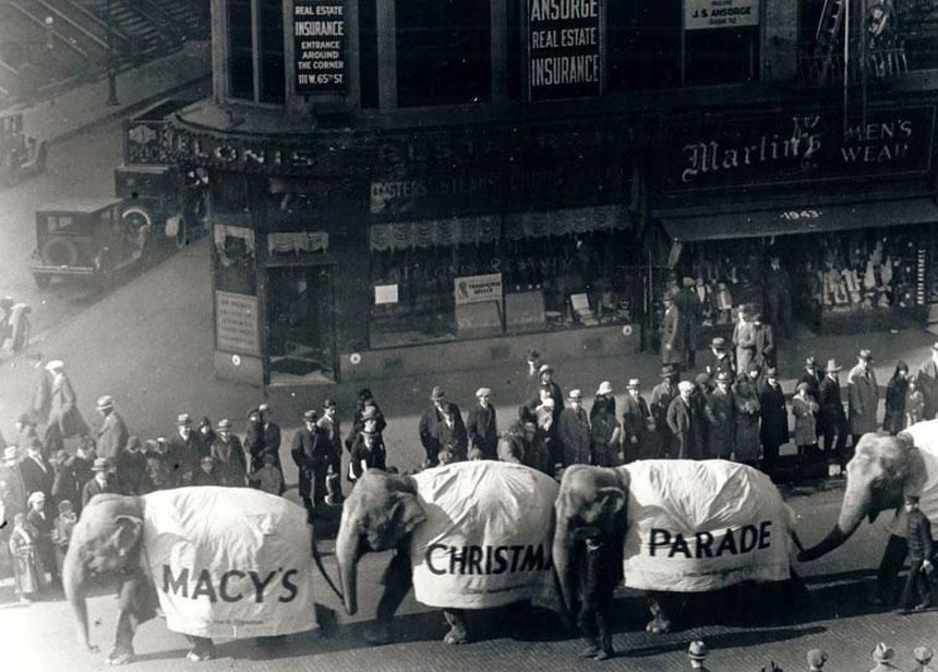 1924年梅西感恩节游行的大象 ( Macy's)