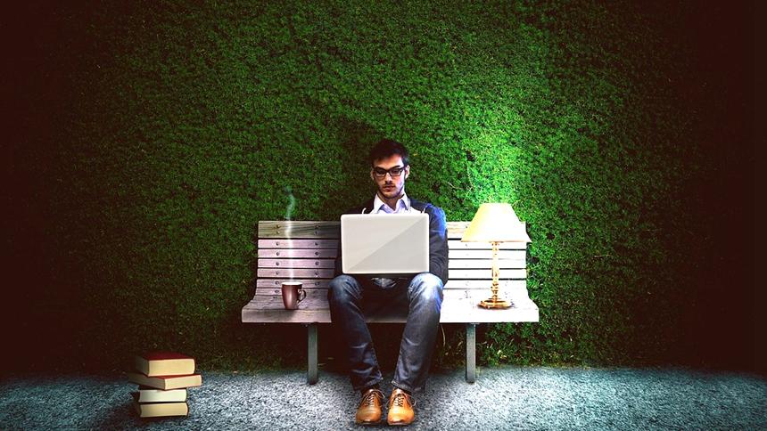 工作、熬夜、加班(图片: pixabay)