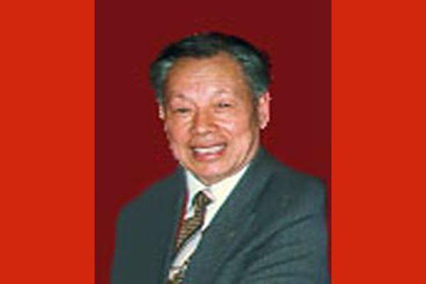 江泽民干预执法 亲令重判副军职干部21年