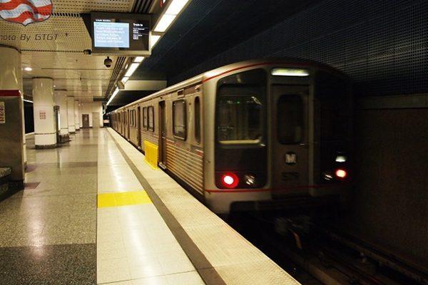 来自国外电话扬言炸洛杉矶地铁 警方加强维安