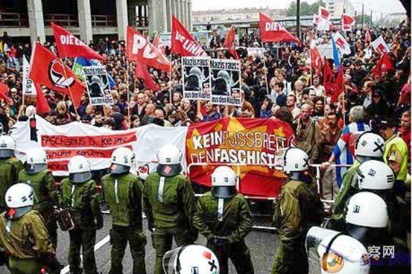 """西欧极右翼领袖德国聚首 乐观预测欧洲迎来""""觉醒之年"""""""