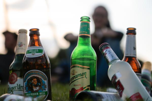 飲酒與肝癌只差四步,每多喝一杯就是向肝癌靠近一步!告訴那些過年喝大酒的人!