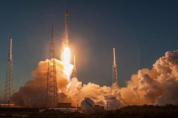 SpaceX, 1月14日成功发射10颗铱星