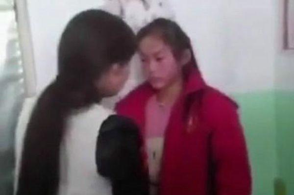 山西一女生不给同学零花钱遭围殴 两分钟被扇40个耳光