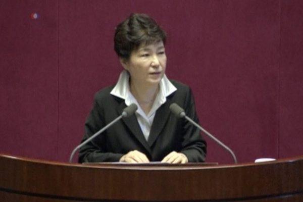 朴槿惠弹核案 朝野达成一致服从法院裁决