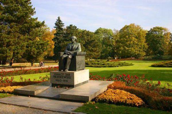 帕德雷夫斯基的一时善举挽救了波兰的命运