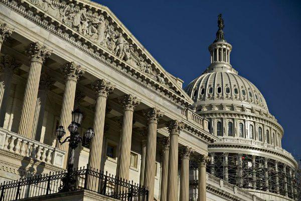 美两党议员准备加强审查中国在美投资