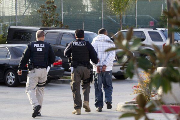 移民局大扫荡 什么人需要担心?