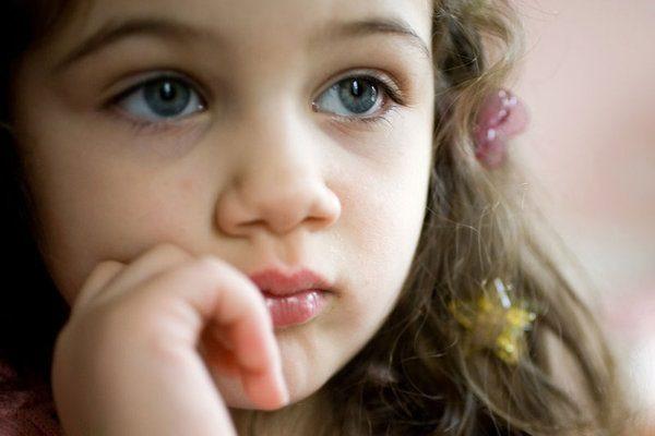 四岁小女孩的眼睛看见了什么