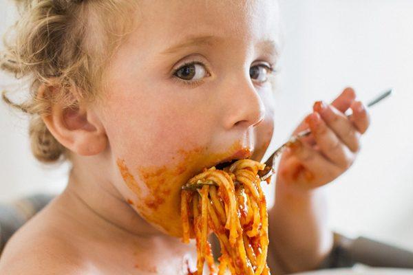 吃饭时的10个坏习惯,越早改变肠胃越健康