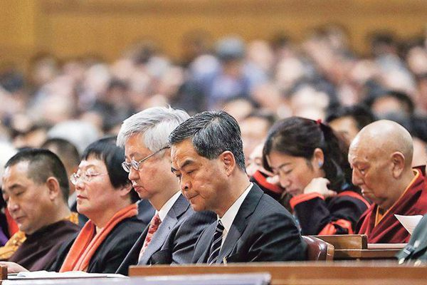 香港特首梁振英3月3日以政协委员身分出席全国政协会议开幕(网络图片)