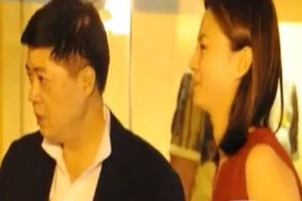 刘芳菲与刘希泳一同出席饭局。(网络图片)