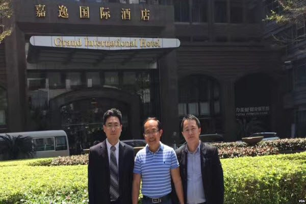 澳反共学者冯崇义返回悉尼 离境前被迫签保密协议