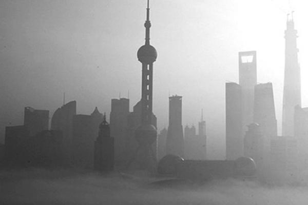 上海雾霾严重 国际赛车选手正常训练受阻