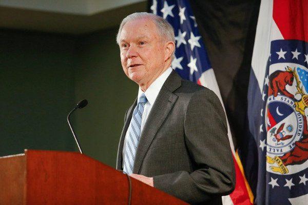 美加强移民执法见效 司法部长:川普时代到来