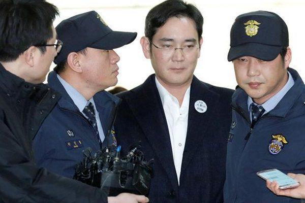 三星少主行贿案今天开庭 李在镕被控多项罪名