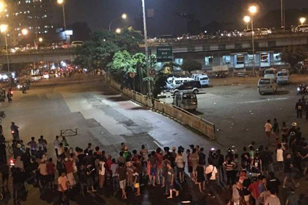 雅加达一公交站遭连环自杀炸弹袭击 至少5死10伤