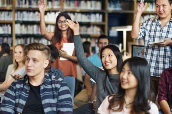 中国学生出国留学:去加拿大还是澳洲?这些你需要知道!