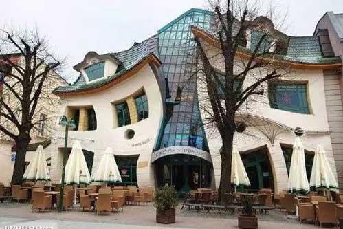 这么奇葩的建筑,不知道设计师是怎么想出来的!