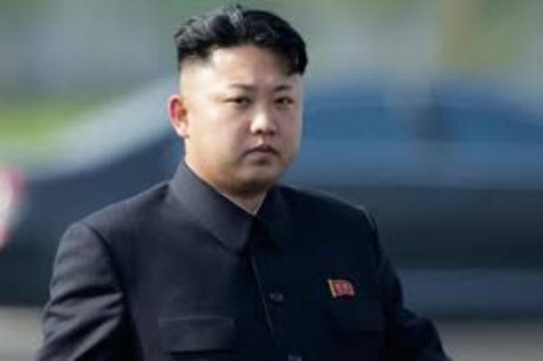 金正恩视察新型防空武器系统测试