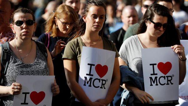 《欧洲要闻》 曼彻斯特自杀性恐袭夺22条人命 阴云笼罩欧洲