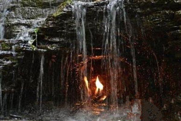 不解之谜!纽约「永恒之火」燃烧数千年不灭