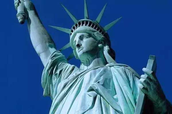 美國何以成為美國?!