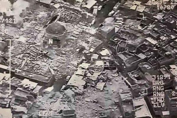 """伊拉克IS炸毁""""定都""""地摩苏尔大清真寺 覆灭征兆?"""