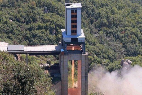 美官员:朝鲜又进行了一次火箭发动机测试