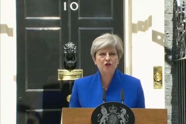 英首相執政解困 與北愛爾蘭小黨達成協議