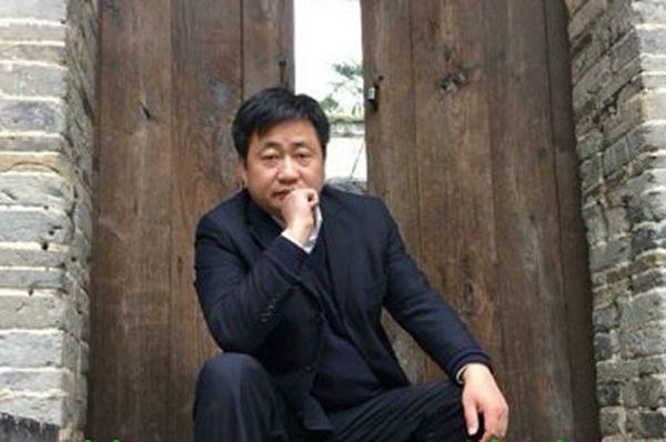 709律师谢阳的妻子陈桂秋发文谴责官派律师