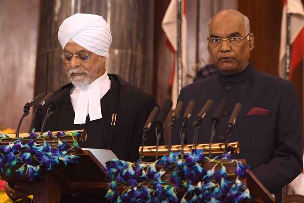 印度新总统柯文德宣誓就职 望改善贱民地位