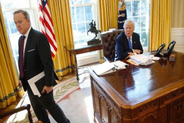 白宫副新闻秘书山德斯提升为新闻秘书