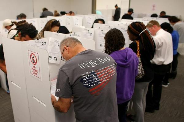 川普的选举诚信委员获许收集选民信息