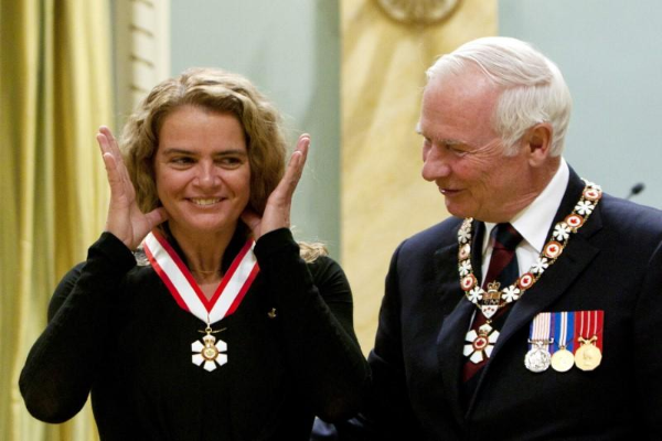 加拿大前女宇航员帕耶特将成为加国新总督