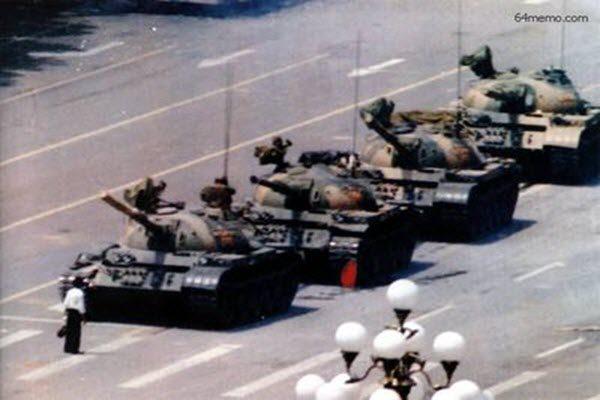 """""""六四坦克人""""还活着?!港媒:一直被中共关押 即将出狱"""
