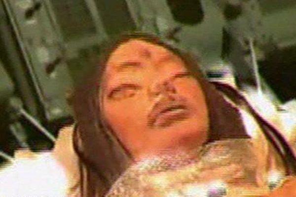 月球真有外星人基地?NASA带回三眼女尸是真是假?