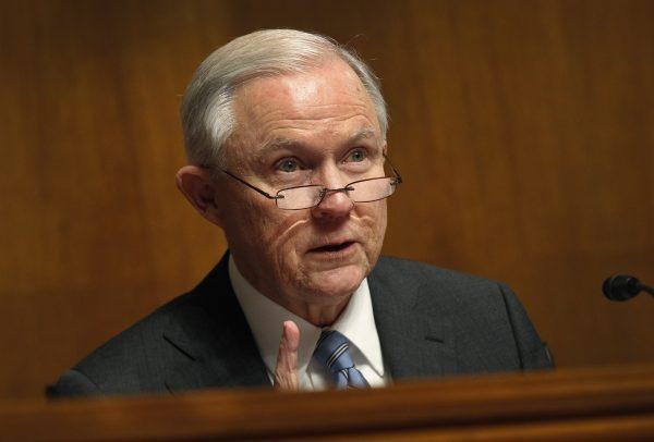 司法部长塞森斯 (图片来源:wikipedia)