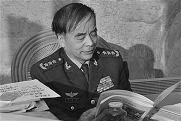 """曾绯闻缠身 """"太子党""""刘亚洲上将去职传闻被坐实"""