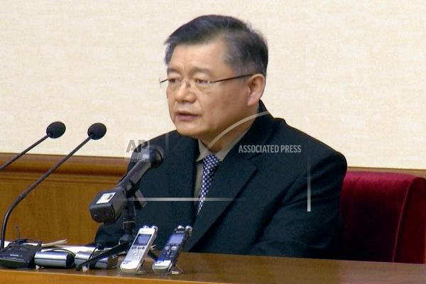 图中为今天获释的加拿大牧师林铉洙(美联社)。