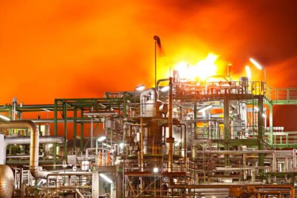 中石油大连石化分公司发生重大火灾 部分停产