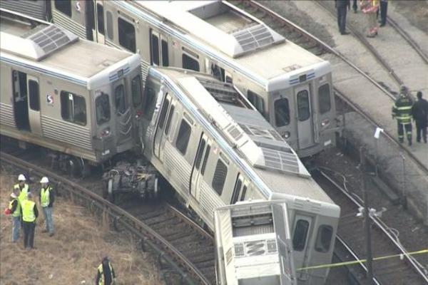 美费城发生火车撞车事故 33人受伤4人重伤