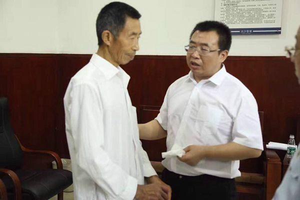 709律师江天勇妻曝庭审造假 官方自编自导