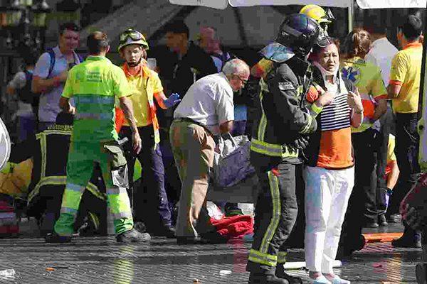 巴塞罗那恐袭 枪手占据酒吧 伊斯兰国宣称负责