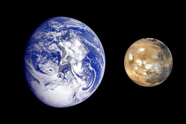 NASA拍到火星废弃无人机,火星男孩波力斯卡称火星人就躲在地下